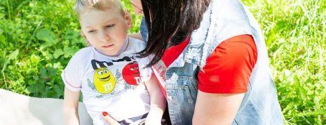 Саша с Луганщины нуждается в постоянной реабилитации