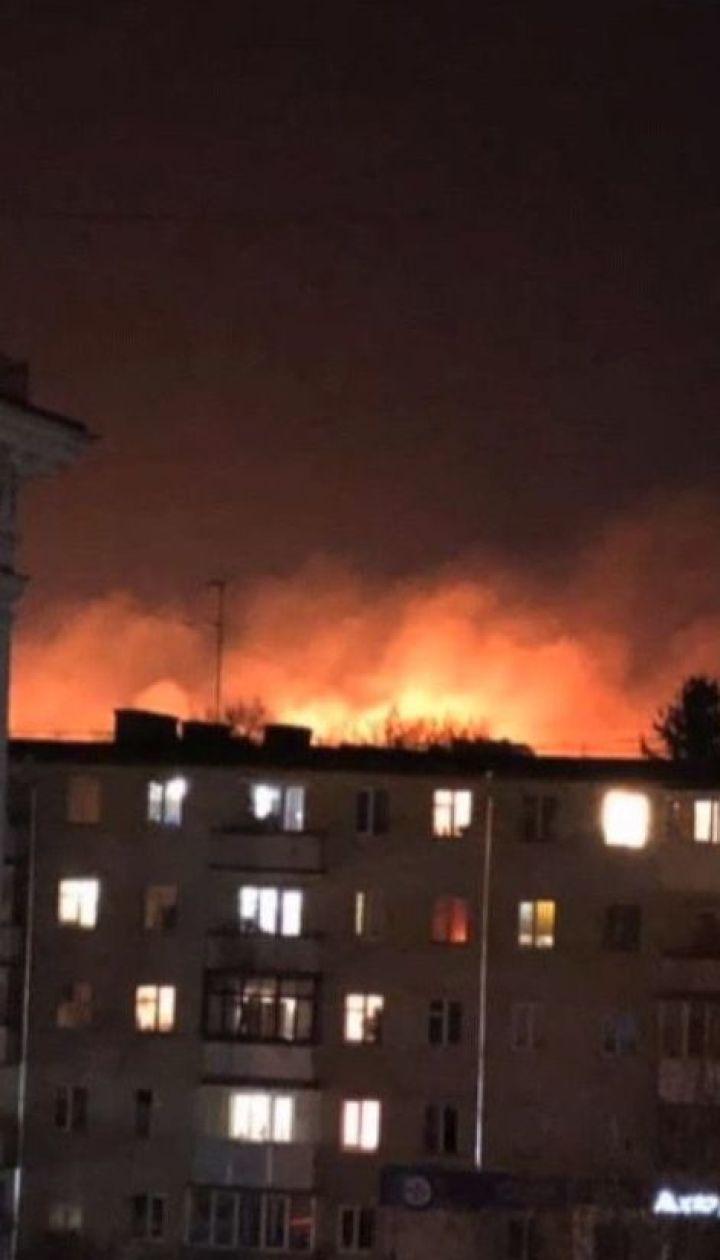 Масштабный пожар вспыхнул недалеко от Луцка: огонь охватил более гектара сухостоя