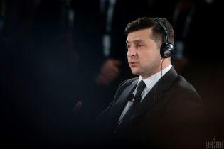 Зеленский обсудил с Помпео борьбу с коронавирусом и выделенные Украине 1,2 млн долларов