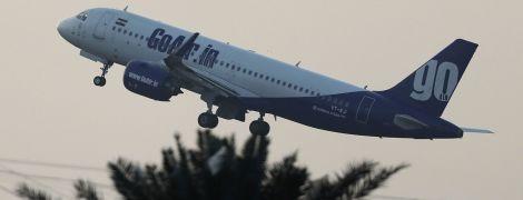 В Индии перед взлетом загорелся Airbus A320 с пассажирами. Очевидцы сняли пожар на видео
