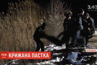 Трое школьников провалились под лед в Лозовой