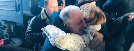 Крымский журналист, которого оккупанты осудили из-за непризнания аннексии Крыма, прибыл в Киев