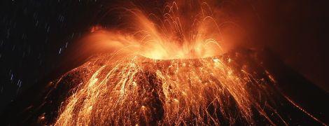 """""""Горлянці вогню"""" загрожує обвал. Учені попередили про вулканічну катастрофу в Південній Америці"""