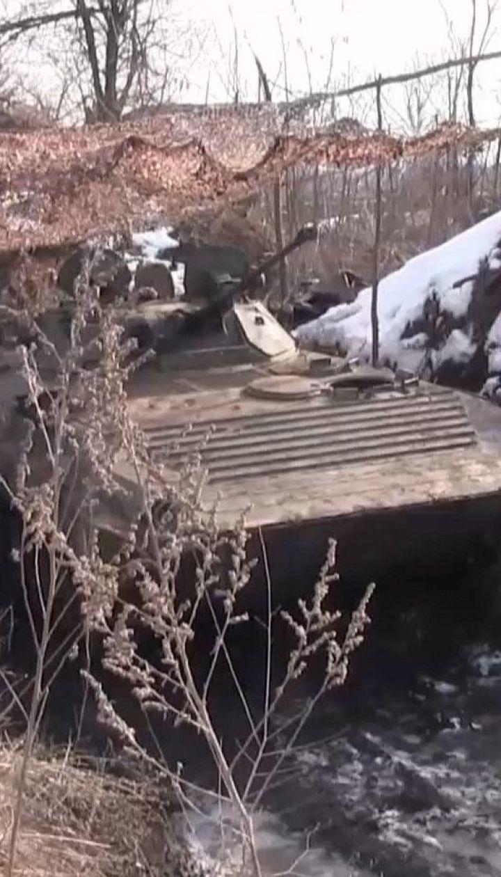 Бойовики продовжують обстріли поблизу Золотого та по сусідніх позиціях