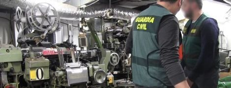 В Испании с подземной фабрики табака и марихуаны спасли шестерых украинцев