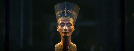 Египтологи считают, что нашли таинственную гробницу Нефертити