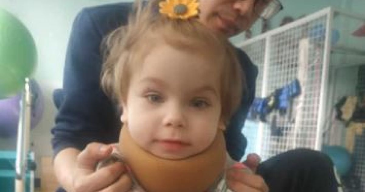 Семья Миленки просит помочь собрать средства на лечение девочки