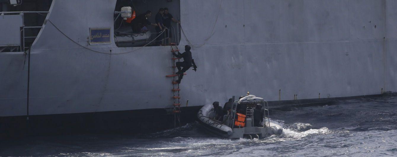У Гвінейській затоці пірати викрали з борту судна сімох українських моряків