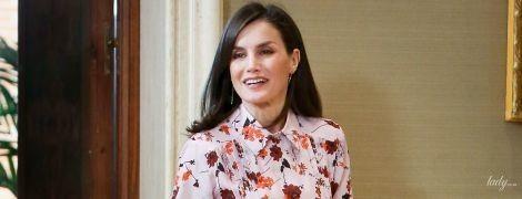 Весеннее настроение: королева Летиция приехала на прием в очень красивом цветочном платье