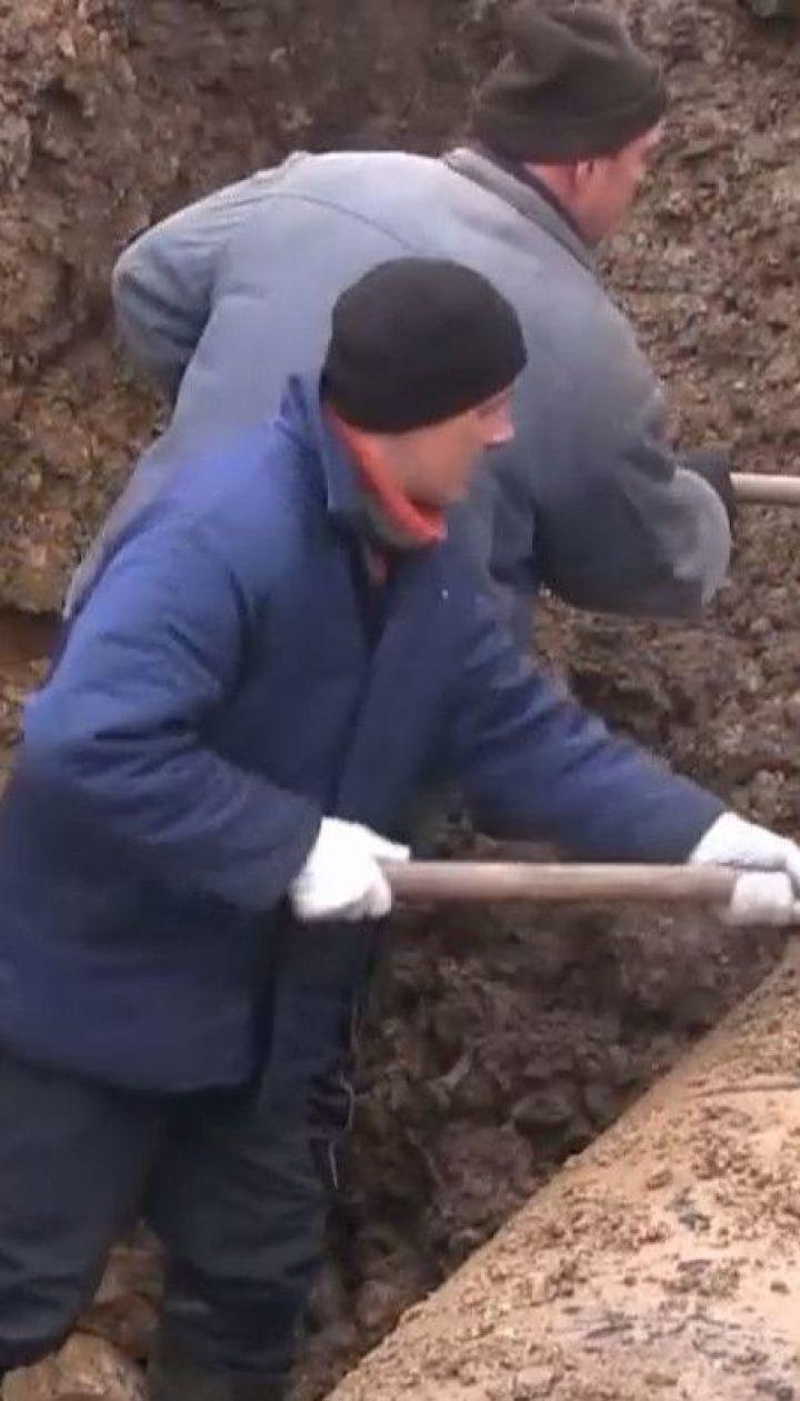 У Торецьку лише на четвертий день після аварії на водогоні змогли розпочати ремонтні роботи