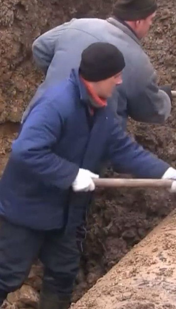 В Торецке только на четвертый день после аварии на водопроводе смогли начать ремонтные работы