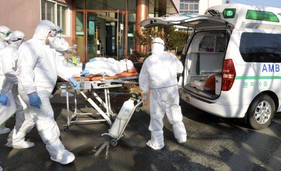 Ризик повторного спалаху: у Південній Кореї за добу підтвердили понад 200 випадків коронавірусу