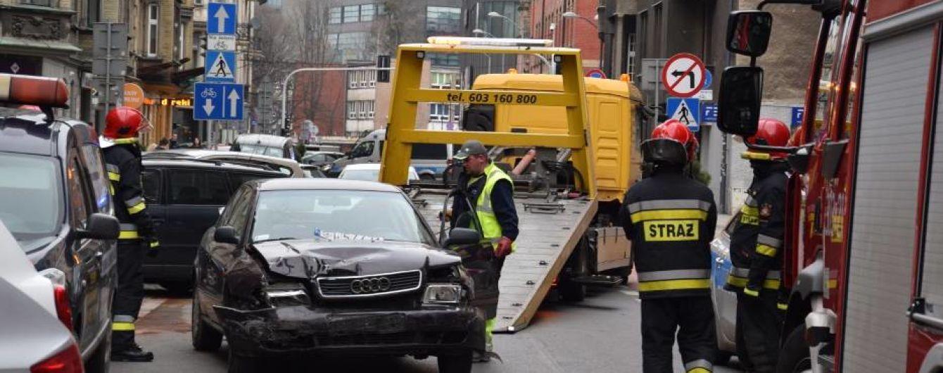 ДТП в Польше: пьяный украинец протаранил восемь припаркованных автомобилей