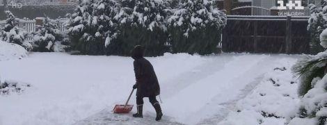 Снежная непогода в Сумах: водители жалуются на скользкие и нечищенные улицы