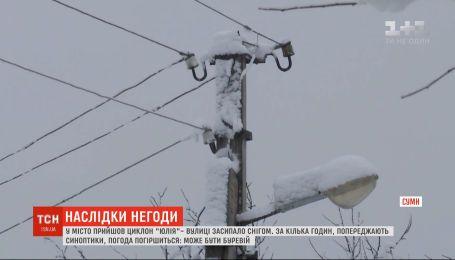 Через негоду в Україні знеструмлено понад 250 населених пунктів