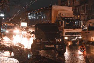 В Днепре неизвестные устроили стрельбу возле остановки общественного транспорта, есть раненые - СМИ