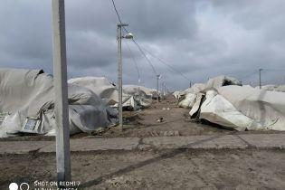 Шквальный ветер в Николаевской области повалил палаточный городок военных