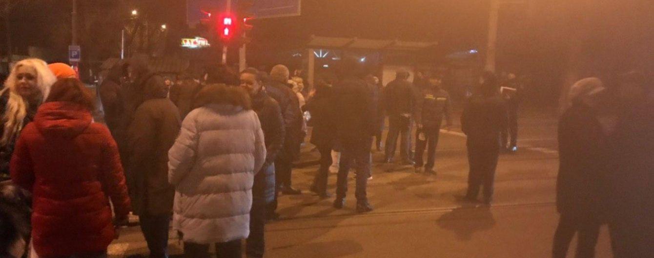 Последствия урагана: в Одессе люди перекрывали дороги из-за обесточивания