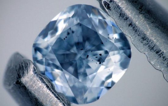 Американські вчені перетворили нафту на алмаз