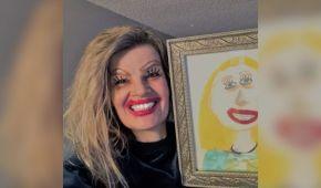 Мама-жартівниця повторила мейкап зі свого портрета, який намалювала маленька дочка