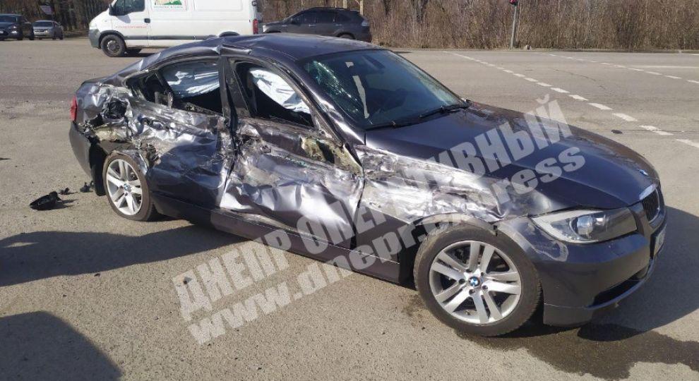 У Дніпрі п'яний водій на BMW протаранив військову колону