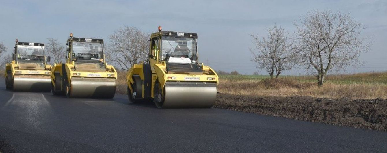 """В """"Укравтодорі"""" назвали терміни ремонту найбільш проблемних ділянок дороги Київ - Одеса"""