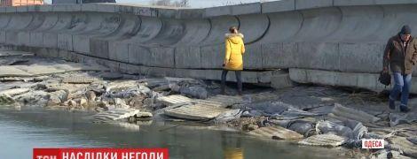 Шторм в Одесской области повредил дамбу Хаджибейского лимана: ее может прорвать