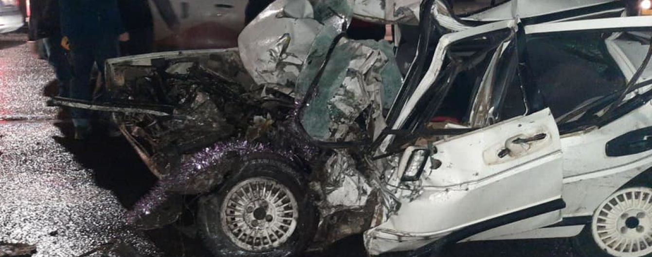 У Львові зіткнулися легковик і автобус, загинула людина