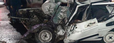 Во Львове столкнулись легковушка и автобус, погиб человек