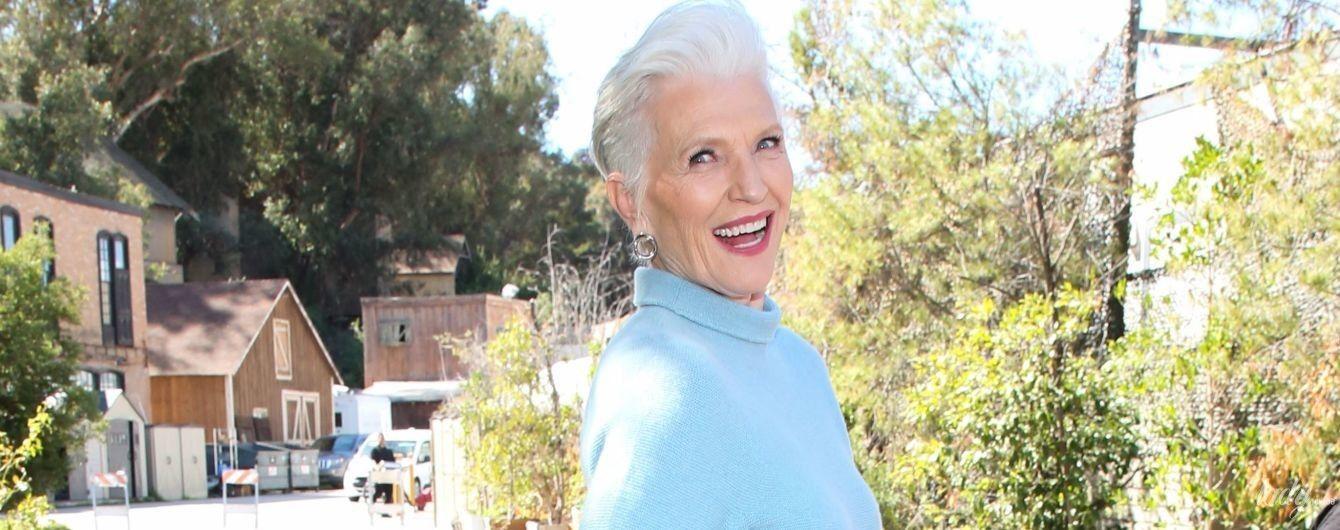 В голубом костюме и на каблуках: 71-летняя Мэй Маск игриво позировала перед камерами