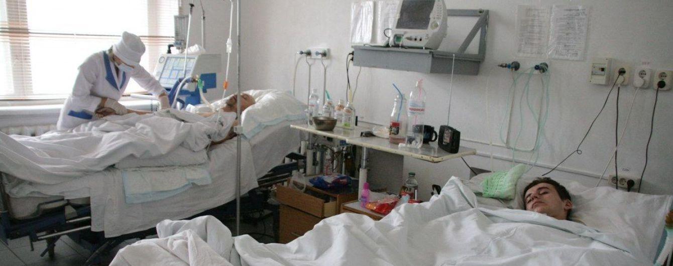 Медики розповіли про стан здоров'я госпіталізованих з підозрою на коронавірус чернівчан
