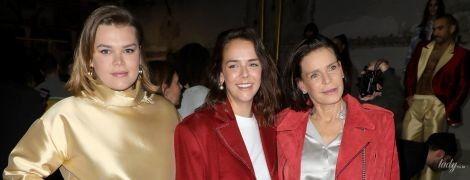 Принцесса Стефания в мятом комбинезоне, а ее дочери в странных нарядах: монакские гости на модном показе в Париже