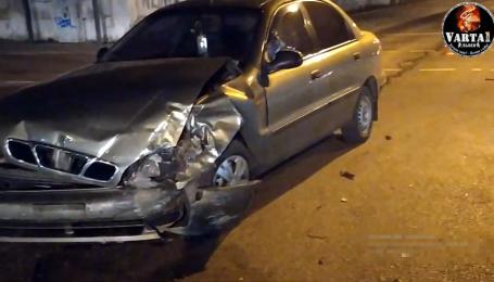 У Львові водій з п'яною компанією влаштував аварію і викликав маму на допомогу. Відео