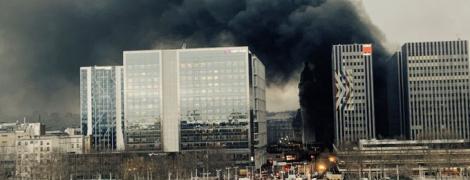 Вокзал в огне: в Париже вспыхнул масштабный пожар