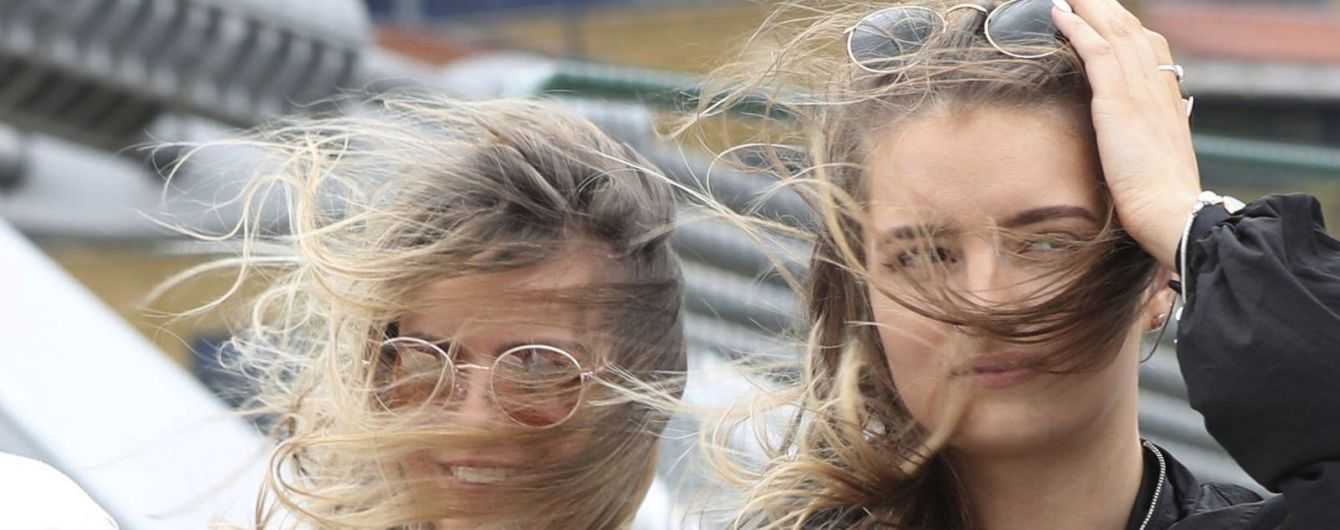 ГСЧС предупреждает о сильном ветре и заморозках в Украине