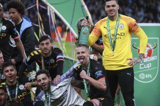 Зинченко насквозь облили шампанским на праздновании победы в Кубке Лиги. Видео