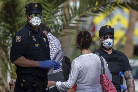 Коронавірус атакує Європу. В Іспанії за добу зафіксували 100 випадків інфікування