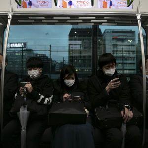 Коронавірус уражає все більшу кількість країн. Інтерактивна хроніка поширення