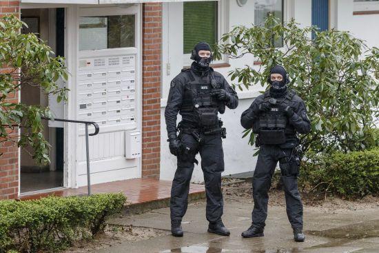 Озброєний чоловік у Франції взяв у заручники дружину і п'ятьох дітей