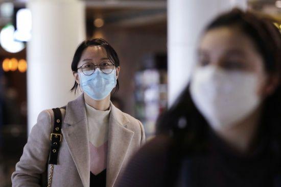 Через коронавірус уряд США роздасть родинам по три тисячі доларів