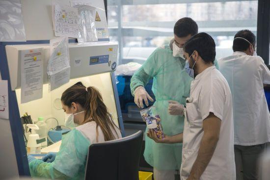 Перший випадок у світі. Китайські лікарі розповіли про ускладнення від COVID-19