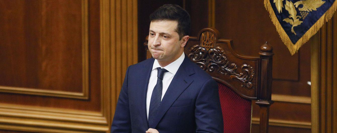 Зеленский подписал закон об отмене штрафных баллов за нарушение ПДД