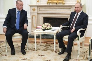 Эрдоган и Путин начали встречу с глазу на глаз за бойню в Идлибе