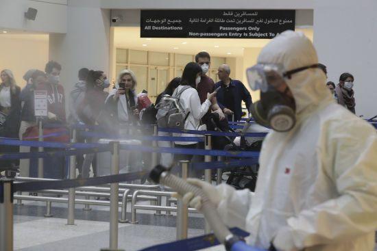 В Єгипті через коронавірус українських туристів закрили на карантин у двох готелях
