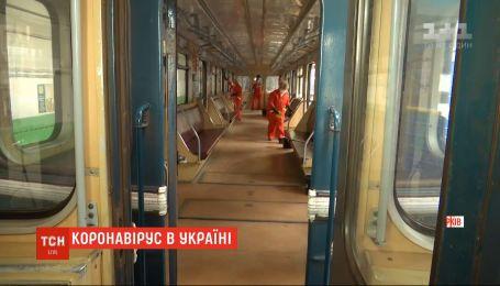 Через перший випадок коронавірусу в Україні скасовуються масові заходи і закриваються освітні заклади