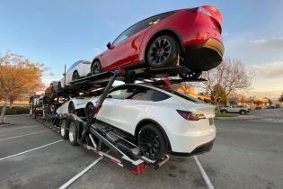 """Ведущие эксперты """"поставили крест"""" сразу на двух моделях Tesla"""