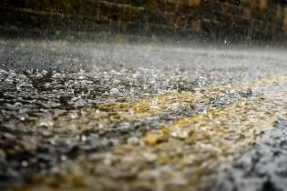 Погода Украине на 7 марта. Синоптики пообещали теплые праздничные выходные, но с грозовыми дождями