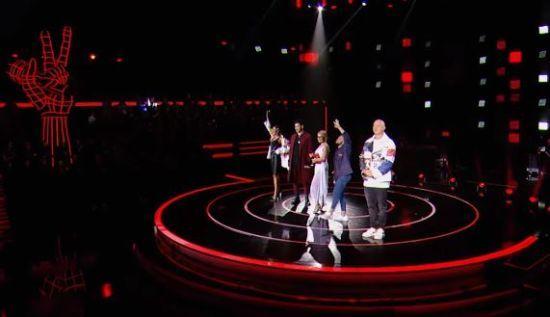 """Голос країни-10"": тренери шоу відкрили ""бої"" вокальним перфомансом"