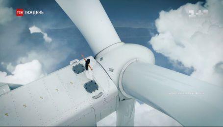 Співачка Руслана Лижичко зафільмувала кліп на 120-метровому вітрогенераторі