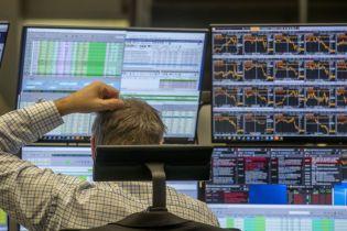 Обвалы на фондовых биржах, бизнес и нефть: что происходит с экономикой США